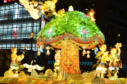 Lotus Lantern float (8)