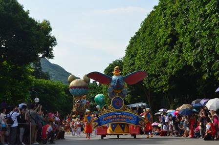 Hong Kong Disneyland parade 1