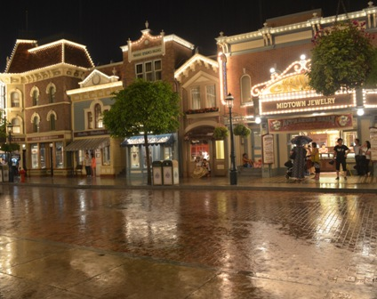 Hong Kong Disneyland raining