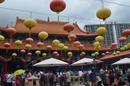 Hong Kong Won Tai Shin temple plaza