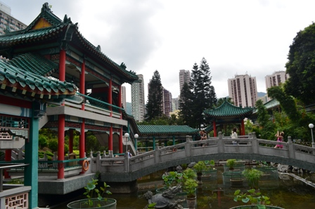 Hong Kong Won Tai temple gardens