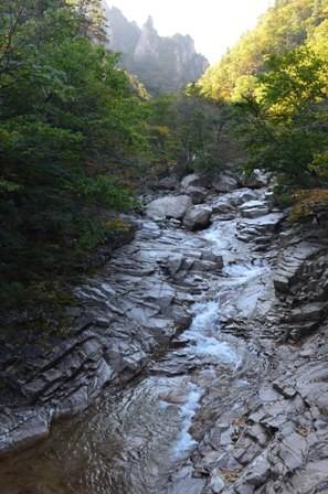 Seoraksan day 2 rocky shale river