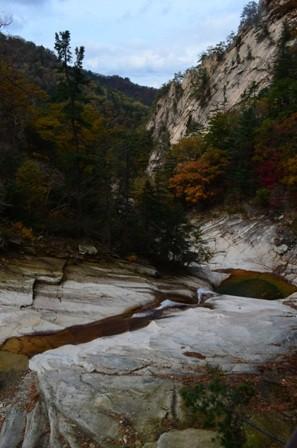Sibiseonnyetang valley wideshot