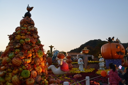 Halloween Korea Everland lighted pumpkins