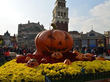 Halloween Korea Everland welcome pumpkins