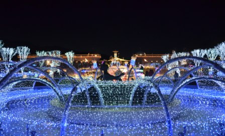 Everland Romantic Illumination blue fountain