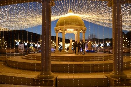Everland Romantic Illumination columns