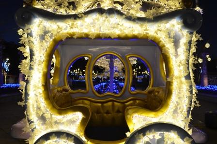 Everland Romantic Illumination fairytale carriage