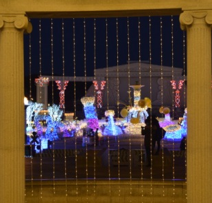 Everland Romantic Illumination framed columns