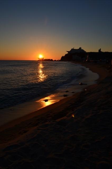 Gangneung Jeongdongjin Beach golden sunrise