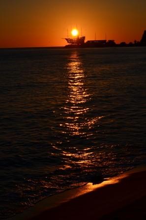 Gangneung Jeongdongjin Beach rich golden sunrise